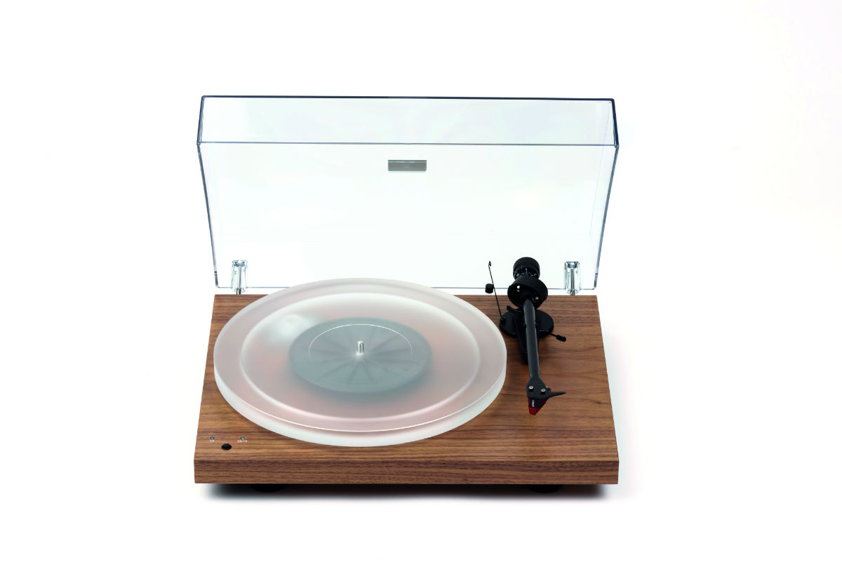 Pro-Ject Debut Carbon RecordMasterHiRes turntable Pro-Ject Debut review