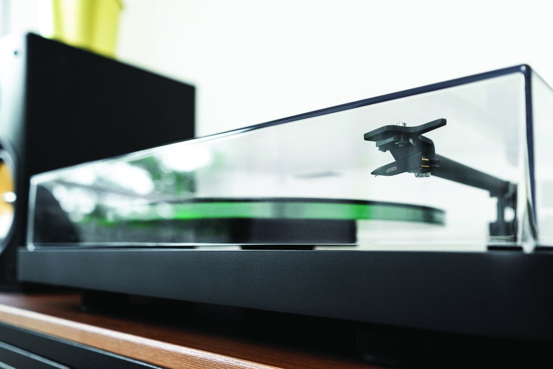 Review: NAD C 558 two-speed belt-driven turntable